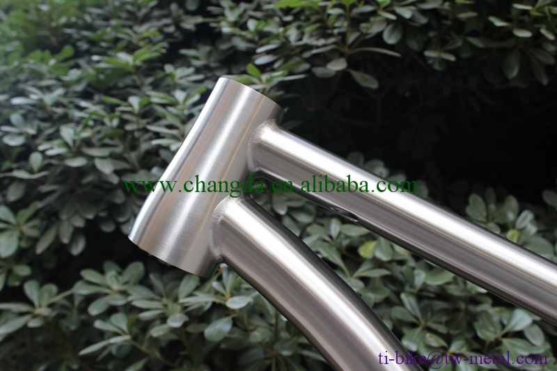 XACD Titanium Fat Bike frame with thru through dropouts Ti Snow bike frame with CNC plate China Ti fat bicycle frameset