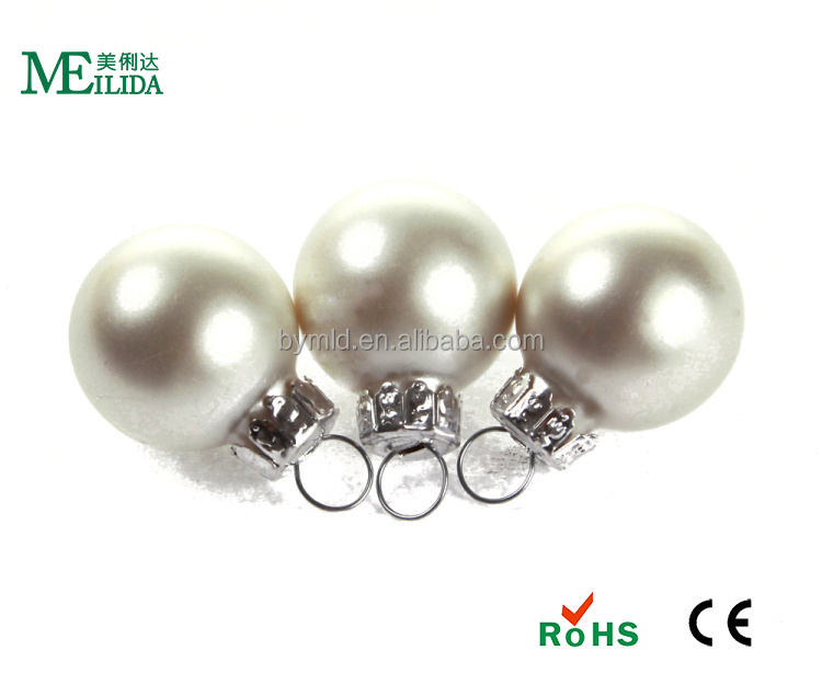 Hanging decorative hollow glass christmas balls