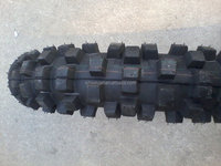 tubeless and coloured motorcycle tire from Chinese manufacturer