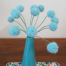 Round Modern wool felt ball Flower Bouquet Pom Pom Flowers with Gold and Pink Stems