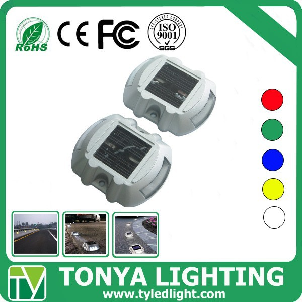 solar powered night lighting and day charging road construction warning light