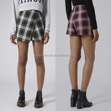 Latest checked design China wholesale women pantskirt plaid tight shorts
