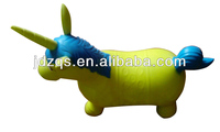 Jumping animal toy in inflatable animal toy