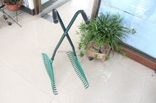 Long Handle Garden Plastic Leaf Grabber