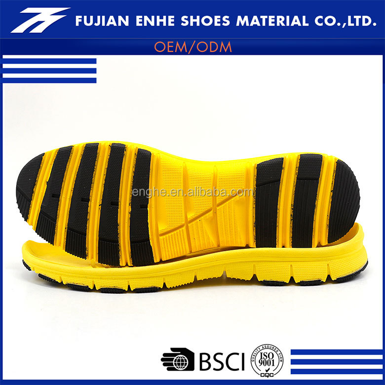 Wholesale soft anti slip material flat sole running shoes