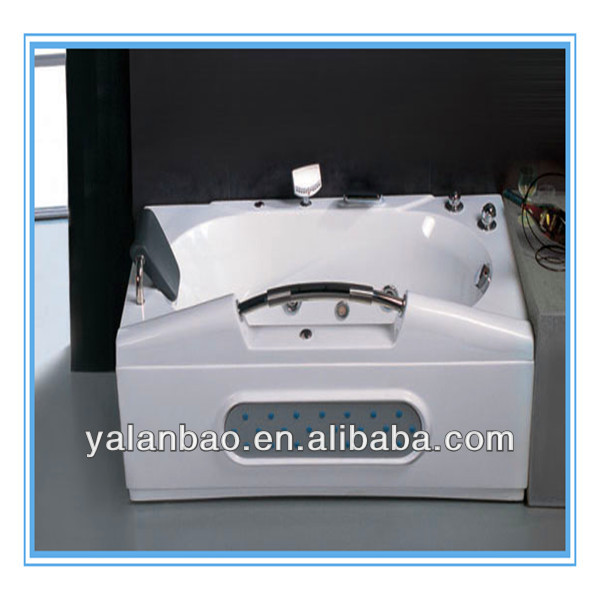 Jetted whirlpool massage bathtub indoor spa tub for lovely family