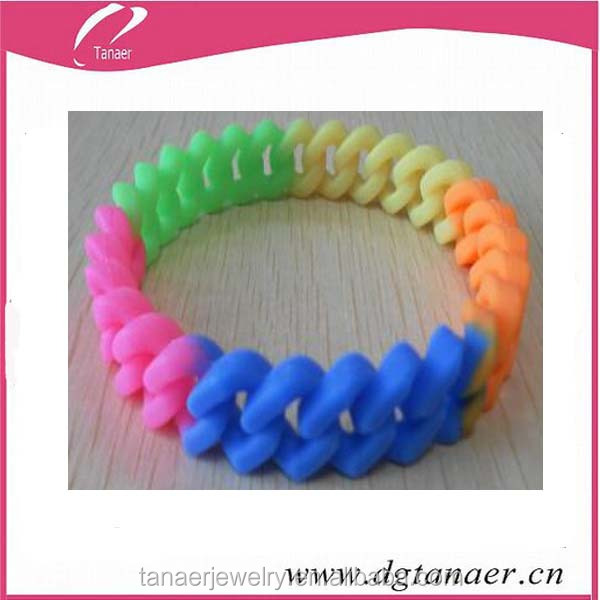 colorful 5 colors loom rubber bands and bracelet