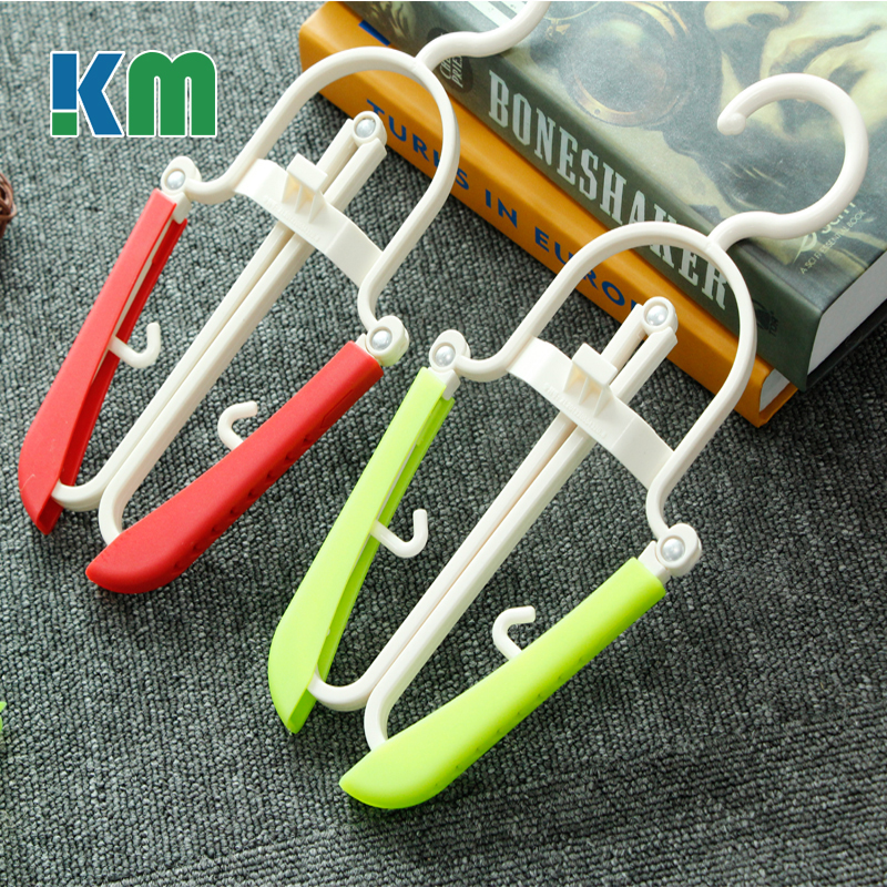 Drying Underwear Non Slip Plastic Folding Hangers for Selling