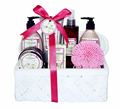 A best body care bath products set OEM ODM private design in wooden basket