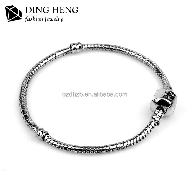 2017 Wholesale fancy cheap alloy titanium steel locks fancy charm snake chain bracelet for girls