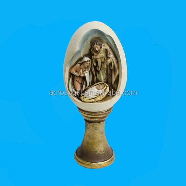 Funny polyresin nativity scene in egg statue