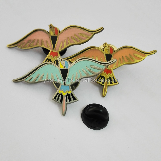 Hot New bird shaped lapel pin making supplier in dongguan factory