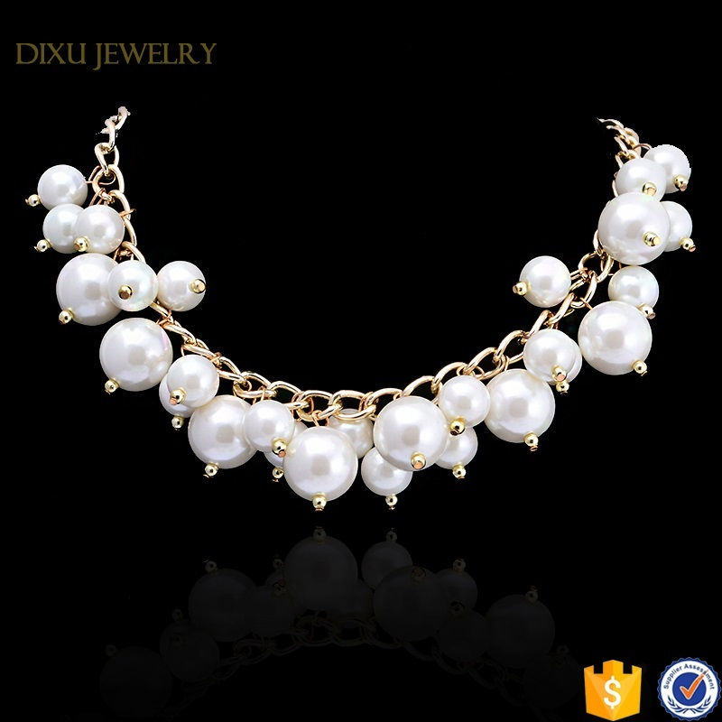 China Jewelry Supplier Fashion Gold Chain Cluster White Pearl Necklace