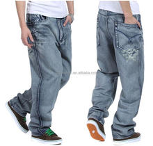Baggy Style Printing Letters Large men's jeans Losse Casual Skateboard Pants Hip Hop Denim Jeans for Men