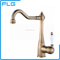 Factory Sell Eco-Friendly Antique Universal Kitchen Faucet