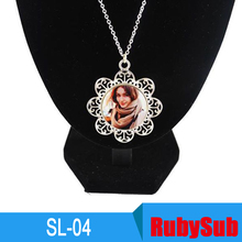 SL-04 2017 Promotion Gifts Custom Sublimation Round Flower Metal Necklace Sublimation Pendant Blanks