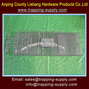 Wire Mesh Cages Trap Groundhogs Beavers Possum Catch Live Animal Foldable Fox Trap Cage