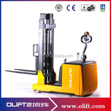 Electric walkie stacker/forklift with high-capacity traction battery