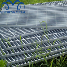 Guangzhou Factory Free Sample steel grating platform/30x3 galvanized steel grating