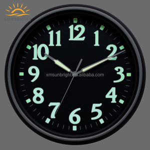 Custom Home Decoration Fashion Luminescent Plastic Wall Clock