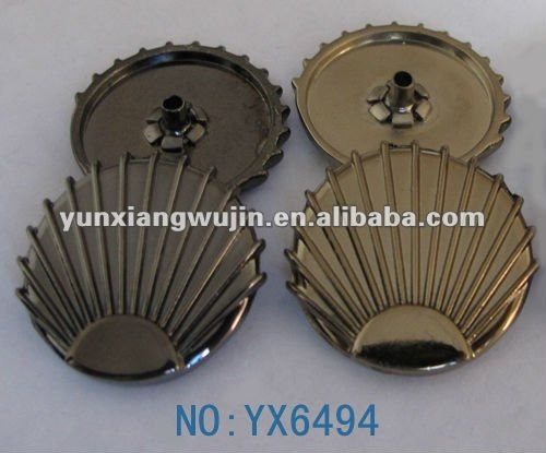 equisite shiny scallop shape agoya shell buttons