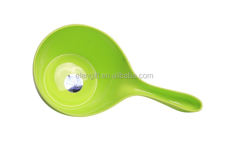 Hot selling candy color kitchen plastic water scoop/water dipper/bathroom water dipper