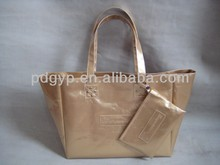 High-end atmosphere, bright leather, lady's bag