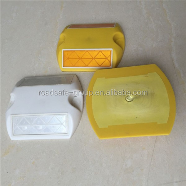 Wholesales 3m high bright reflective road studs pavement marker
