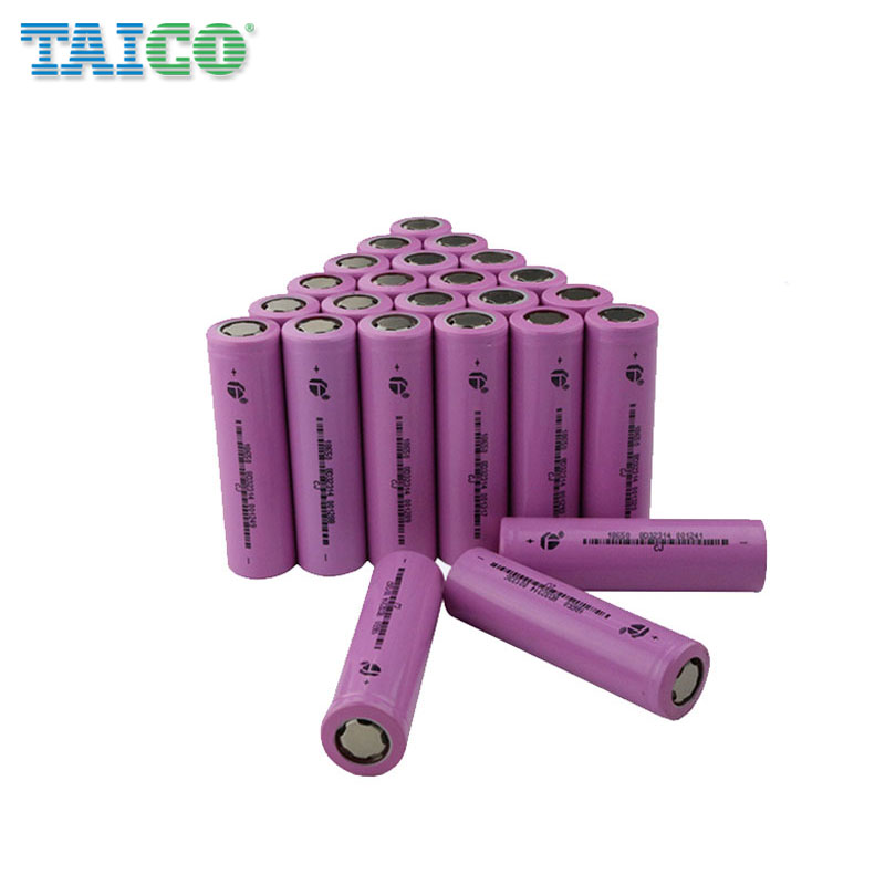 Wholesale cylindrical lithium ion 18650 2600mah 3.7v <strong>battery</strong>