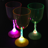 flashing plastic led light red wine glass/unbreakable drinking cup/party glass ware