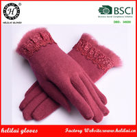 Helilai BSCI Factory Ladies Pretty Red Fur and Lace Cuffed Women Wool Gloves