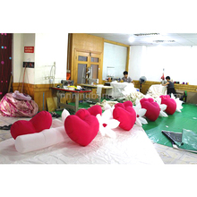 White and pink heard shape inflatable flower chain for wedding