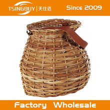 Storage rack,Rattan furniture,Wicker basket/picnic basket with dishes