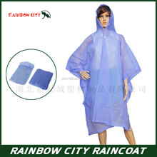 One time use purple disaposable pe rain poncho with drawstring custom logo printing available