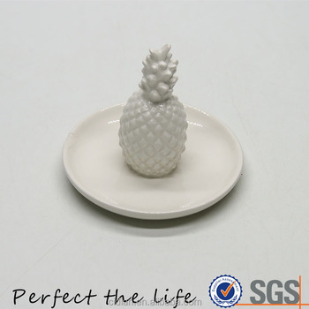 Ceramic jewelry dish with ceramic pineapple