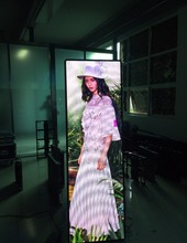 Factory Price Indoor P1.8 Poster Advertising Stand LED display/mirror LED display screen/ShenZhen starcolor E-barb LED