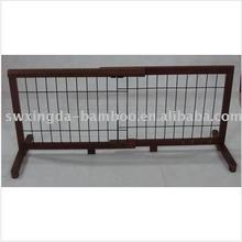 Adjustable bamboo expandable temporary pet fence