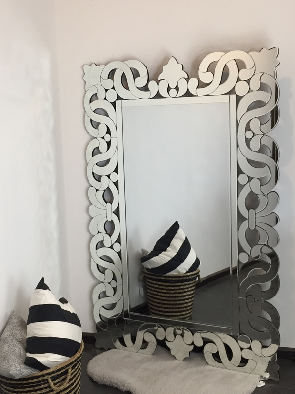 Excellent Quality Large Round Mirror For Dress Table With 4MM Bevelled Mirror/Decor Home
