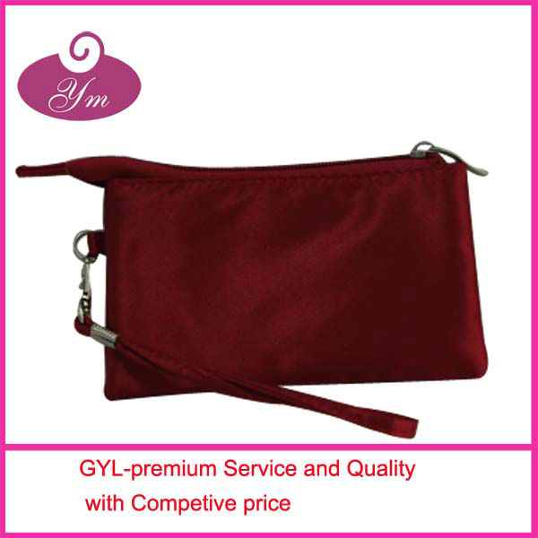 2013 promotional red satin zipper flat cosmetic bag