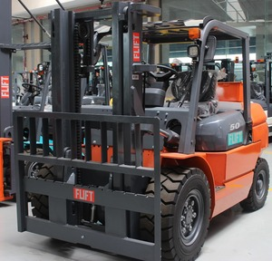 High quality low price diesel forklift truck with 5 ton load capacity