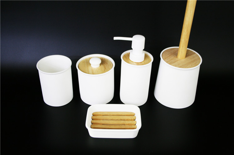 Bathing Products  4PCS High Quality  Hotel White Resin Bath Bathroom Accessories Set Bathing Product  Made in China