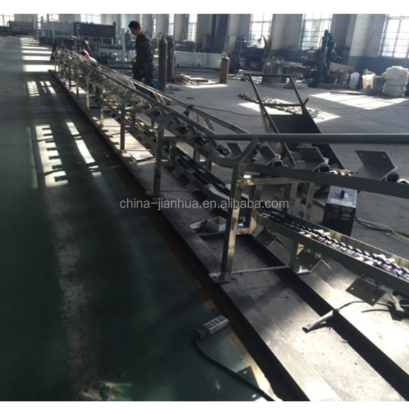 Pre-dehinding conveyor pig slaughtering machine