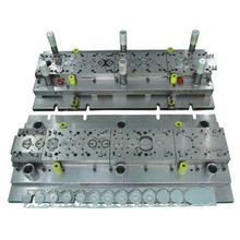 China factory hydraulic punching die press tooling mould with over 30 punchers
