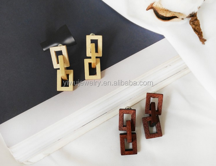 E35-034 cheap <strong>fashion</strong> beige and brown women wooden stud earrings