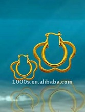 gold earring prongs