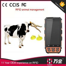 IP67 Rugged Android UHF RFID Readers Handheld With Animal Ear Tag
