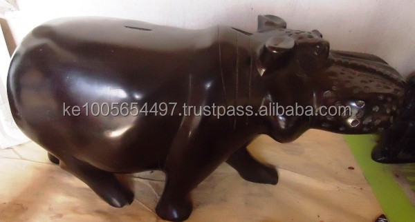 Kenyan Soapstone animal, Ash tray carving, Chess boards and other carvings