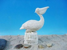 modern resin pelican statues for home decoration
