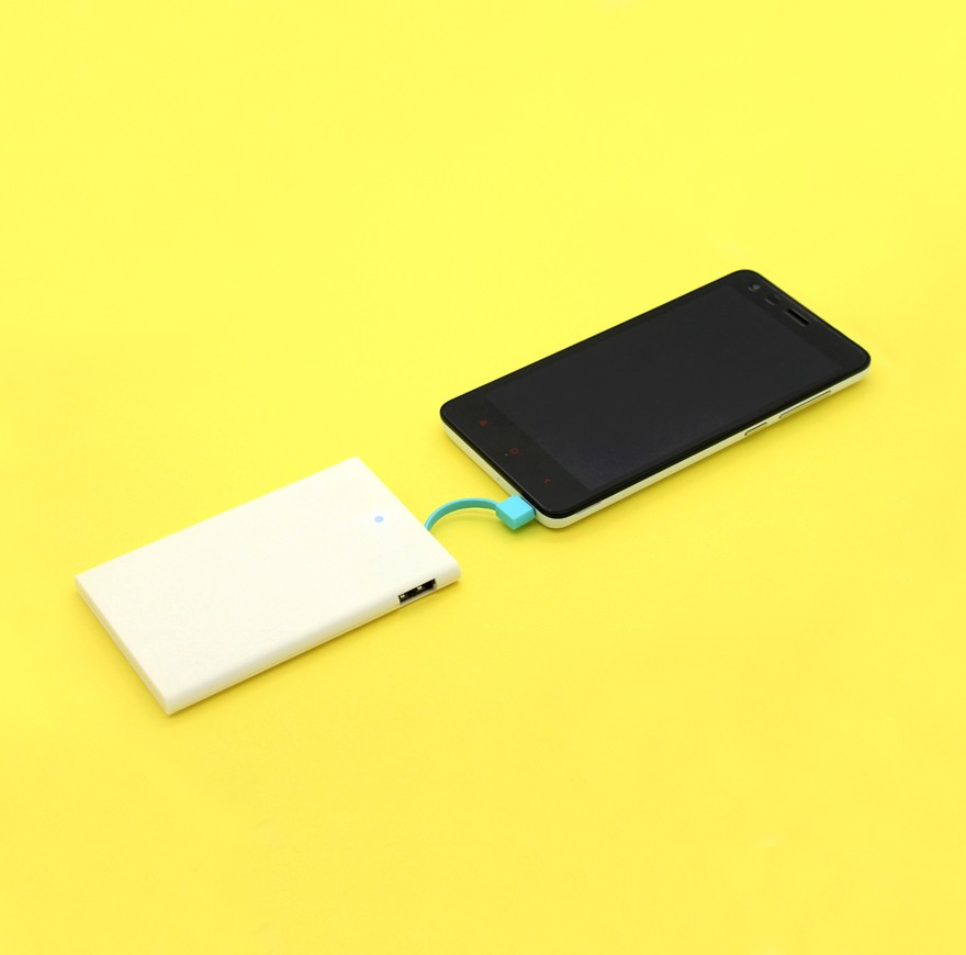 Ultra-slim 0.8mm credit card size super Slim Credit Card Business card built-in cable portable Power