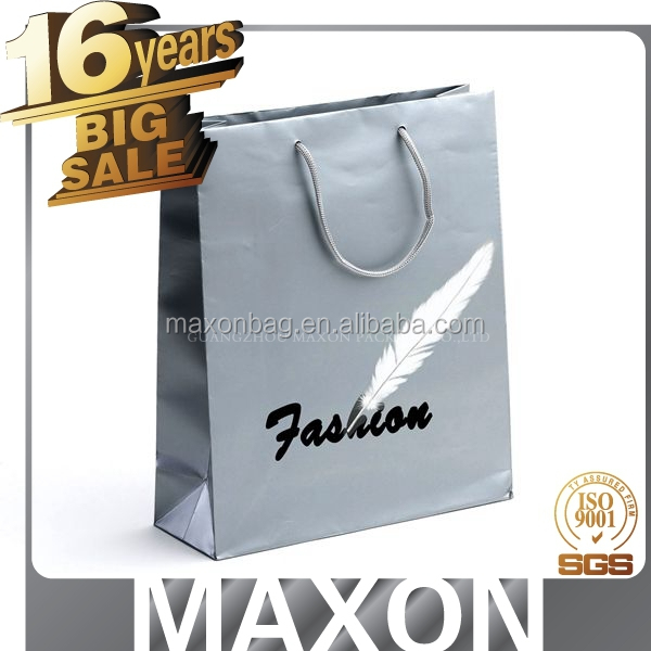 Cheap glossy black colored shopping gift paper bag made in Guangzhou's factory